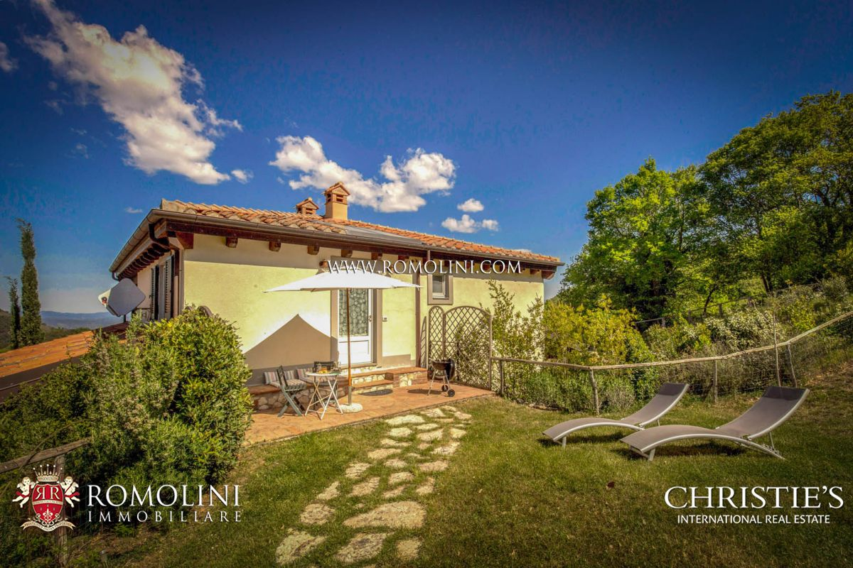MAREMMA: ECO-FRIENDLY HAMLET IN PANORAMIC POSITION