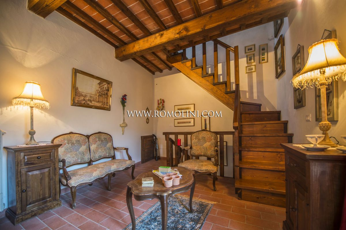 PORTION OF A FARMHOUSE FOR SALE IN MONTERCHI, TUSCANY