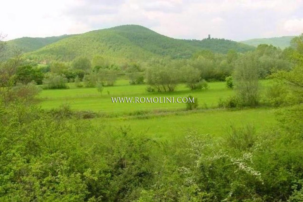 UMBRIA: BUILDING PLOT FOR SALE WITH PROJECT APPROVED