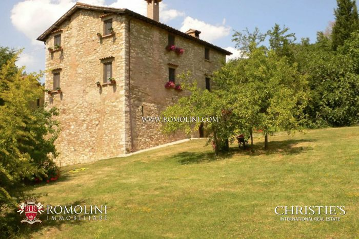 SMALL FARMHOUSE FOR SALE IN UMBERTIDE, UMBRIA