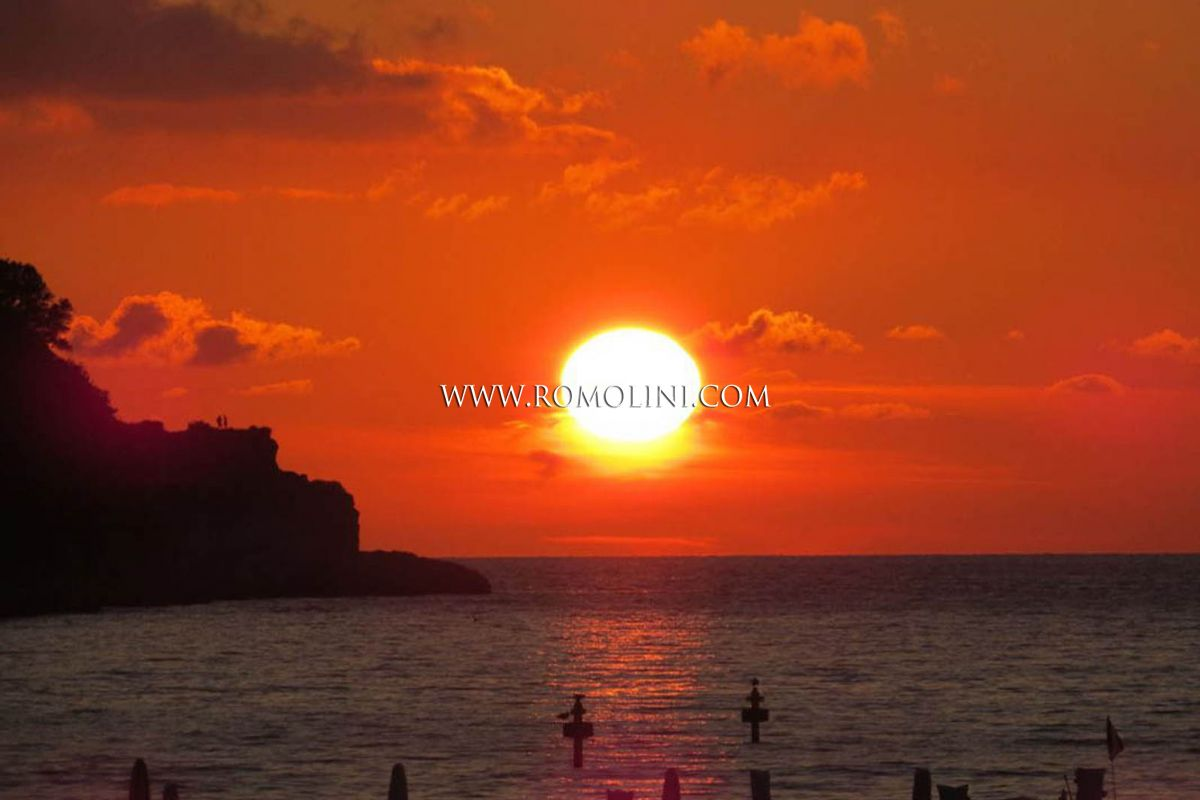 SEA FRONT PROPERTY FOR SALE AMALFI COAST, LUXURY WATERFRONT STUDIO APARTMENT SORRENTO