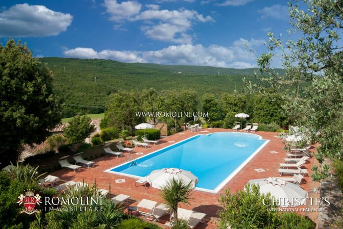 AGRITURISMO WITH PANORAMIC VIEW FOR SALE SIENA, TUSCANY