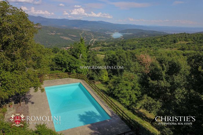 ORGANIC FARM FOR SALE IN TUSCANY, CAPRESE MICHELANGELO