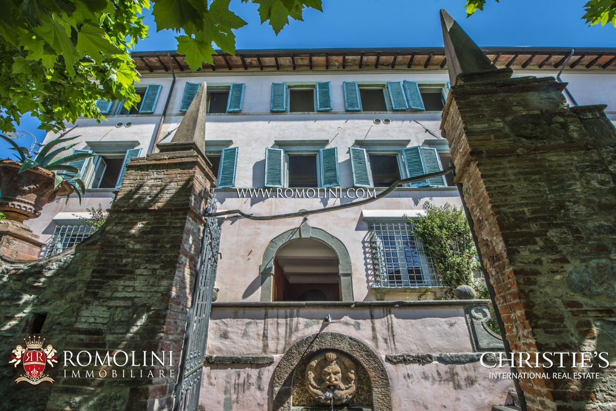 PRESTIGIOUS 17TH CENTURY VILLA WITH 12 HA OF LAND FOR SALE, LUCCA