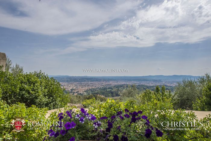 WONDERFUL HISTORIC ESTATE WITH PANORAMIC VIEW OVER FLORENCE