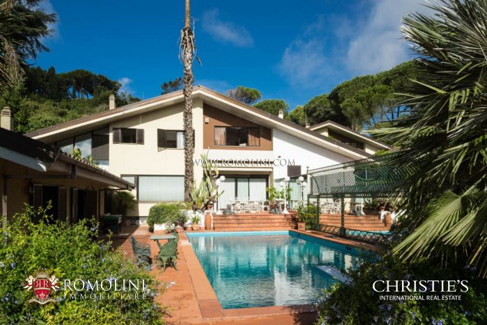 LUXURY VILLA FOR SALE IN ROME