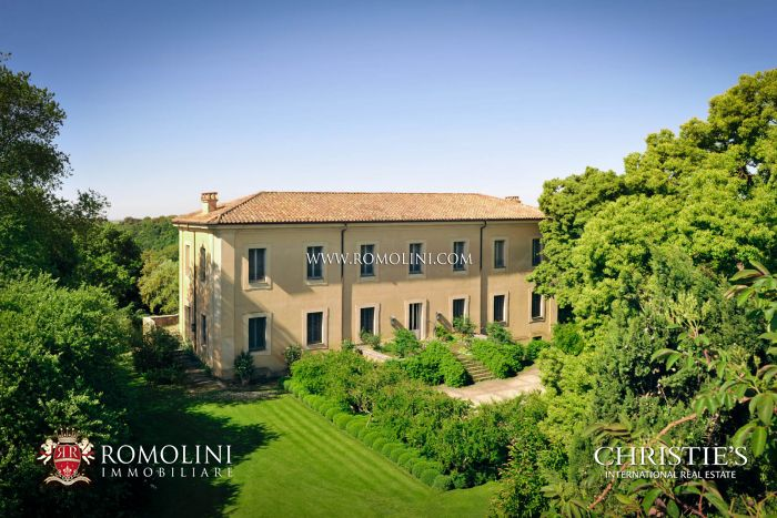 ROME: BEAUTIFUL HISTORICAL VILLA FOR RENT, CASTELLI ROMANI