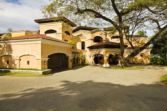 OCEANFRONT SPANISH COLONIAL HACIENDA FOR SALE IN FLAMINGO BEACH, PACIFIC OCEAN, COSTA RICA