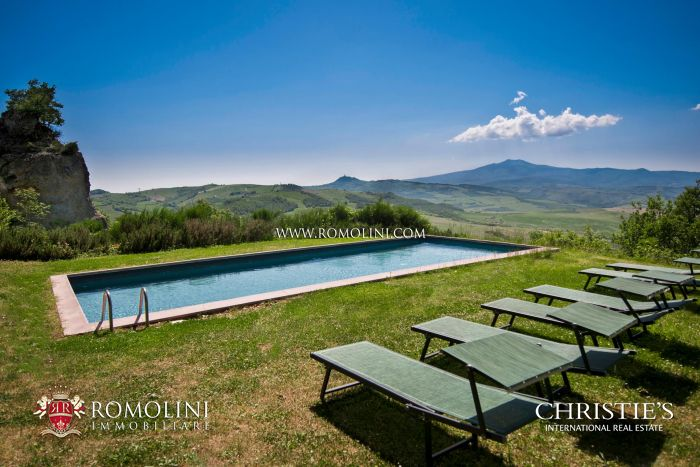 755-HA TUSCAN ESTATE WITH OLD ABBEY AND 11 FARMHOUSES FOR SALE IN SIENA