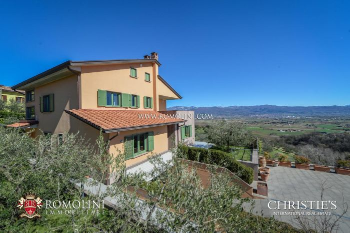 VILLA WITH PANORAMIC VIEW FOR SALE IN ANGHIARI