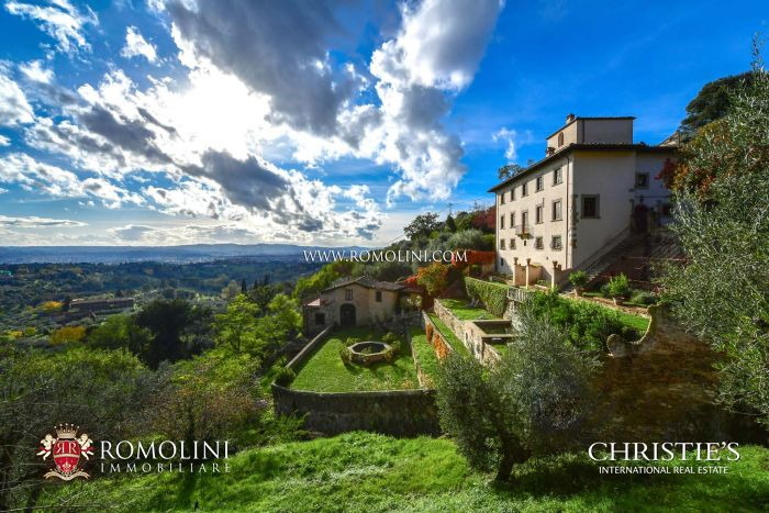 LUXURY VILLA WITH SPA FOR SALE IN FLORENCE, TUSCANY