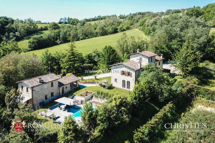 RESTORED COUNTRY HOUSE FOR SALE, CITTÀ DI CASTELLO, UMBRIA
