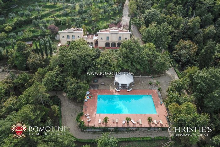 VILLA WITH PANORAMIC VIEW FOR SALE IN TUSCANY