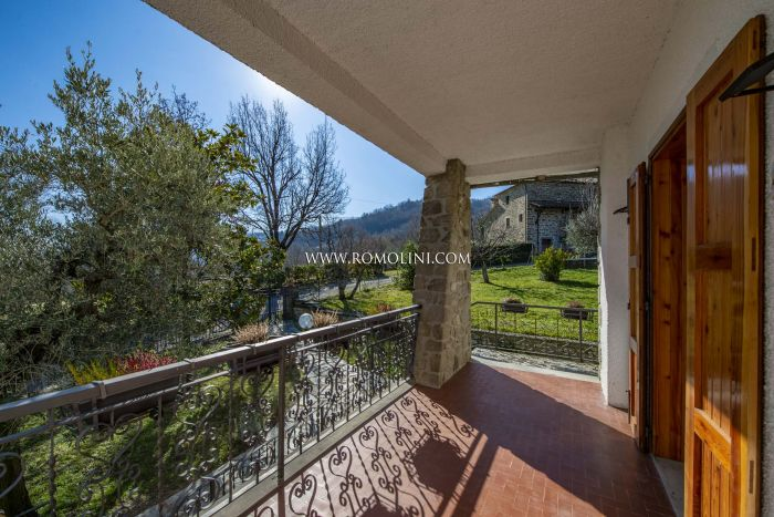 RESTORED VILLA FOR SALE CAPRESE MICHELANGELO TUSCANY