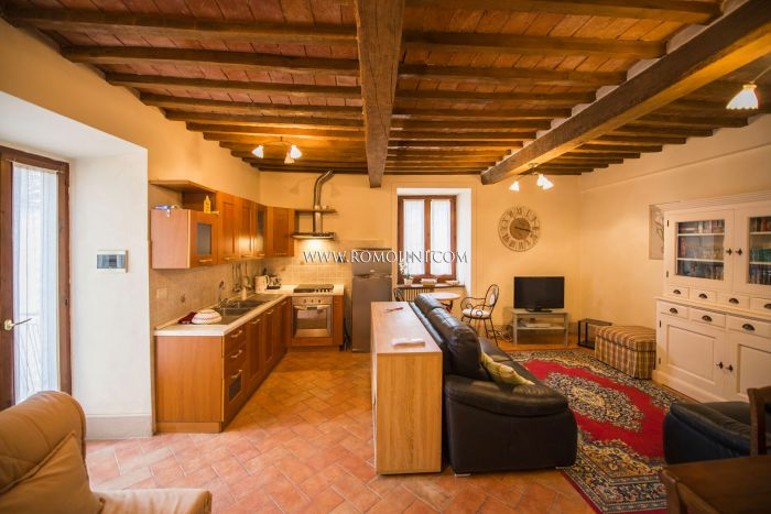 2-BEDROOM APARTMENT WITH TERRACE FOR SALE HISTORIC CENTER SANSEPOLCRO