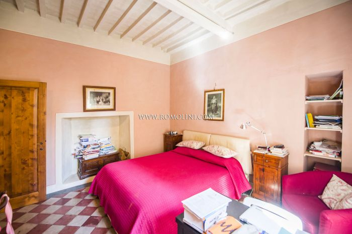 2-BEDROOM APARTMENT FOR SALE NEAR PORTA ROMANA, SANSEPOLCRO, TUSCANY