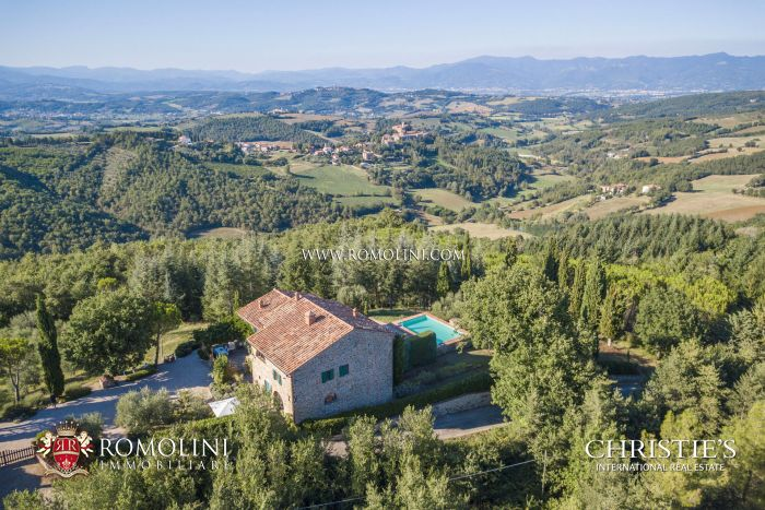 COUNTRY HOUSE WITH POOL FOR SALE IN PANORAMIC POSITION, UMBRIA