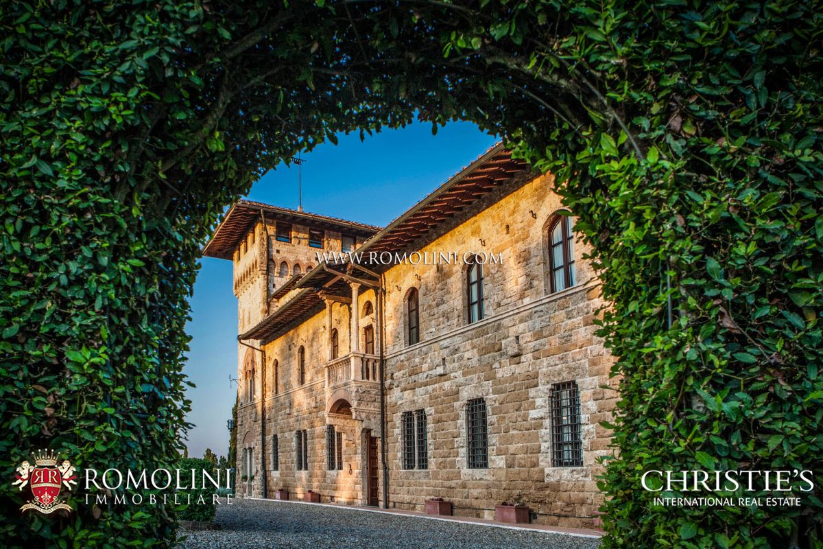 RESORT FOR SALE IN SAN GIMIGNANO, SIENA, TUSCANY