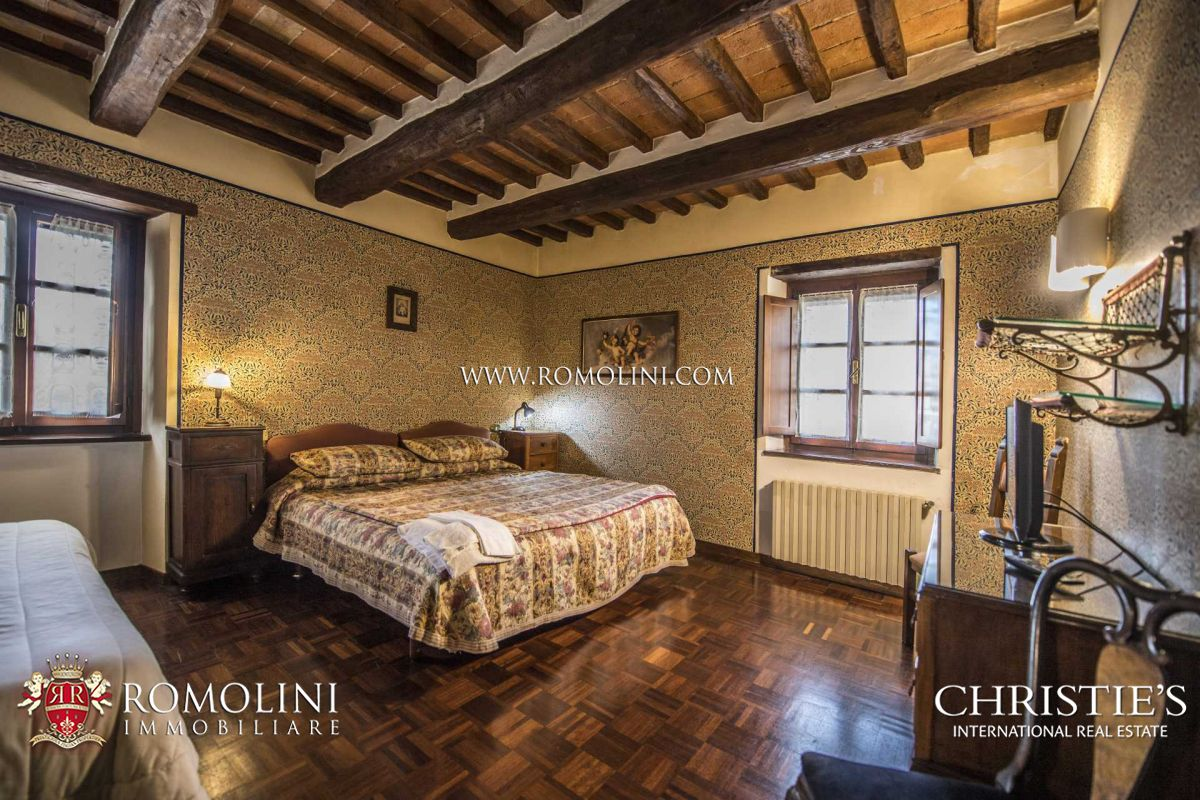 HOTEL WITH RESTAURANT PIZZERIA FOR SALE, TUSCANY, ITALY
