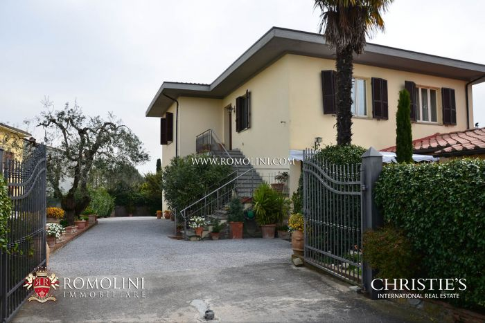 LUCIGNANO B & B : Bed and Breakfast for sale , Lucignano , Tuscany